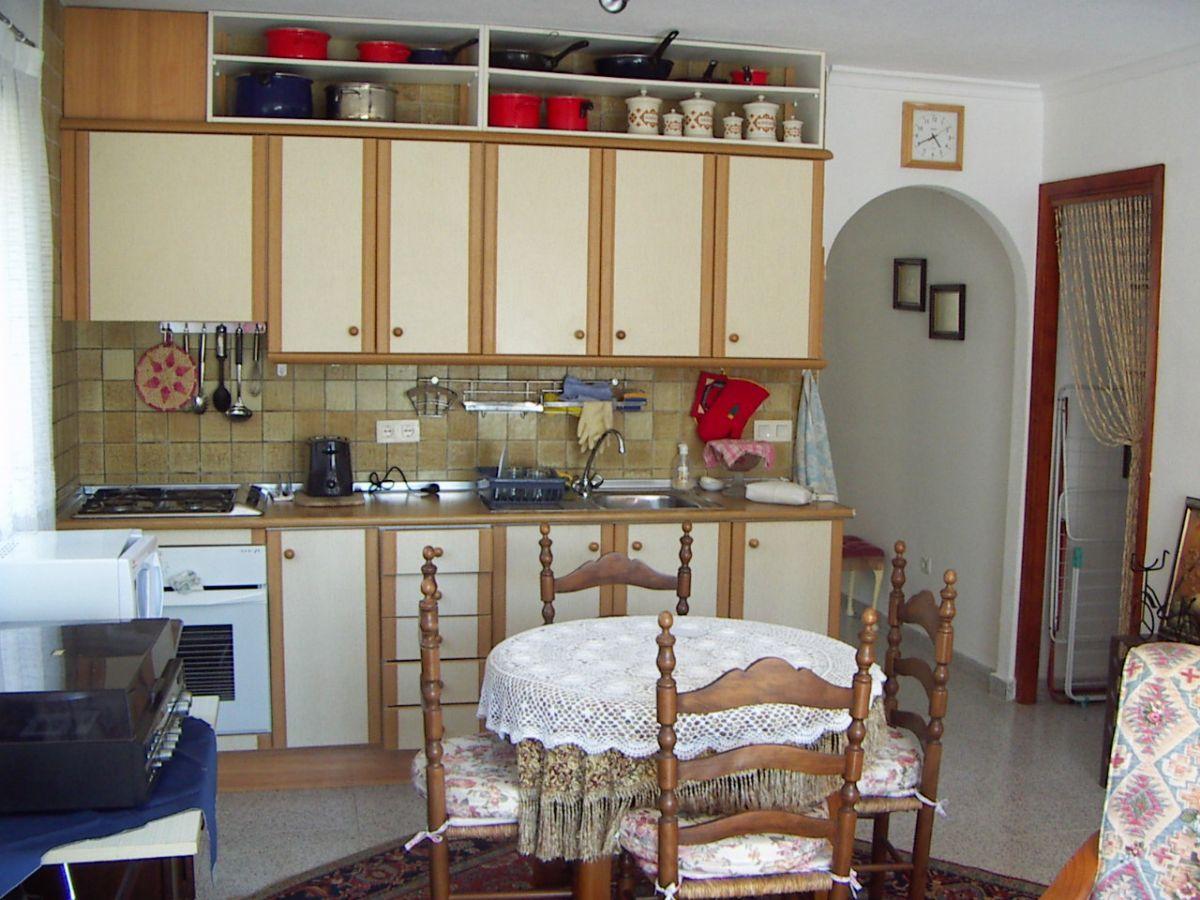 Se vende Apartamento de un dormitorio, 1 baño, salón-comedor, balcón y vistas panorámicas. Cumbre del Sol.